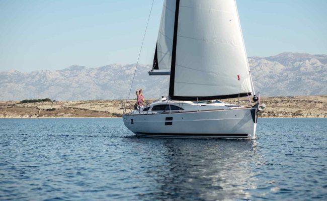 elan-impression-40-sailing-2